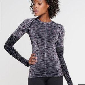 NWOT Climawear Aligned Spacedye Runner Shirt